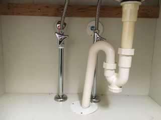 給水・給湯・排水の接続