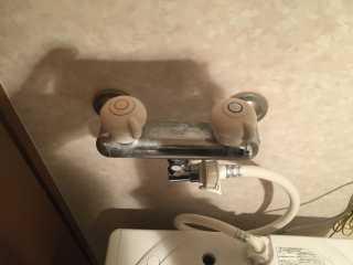 上から見た洗濯機用水栓