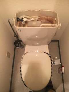 トイレタンクの水が止まらないトイレ