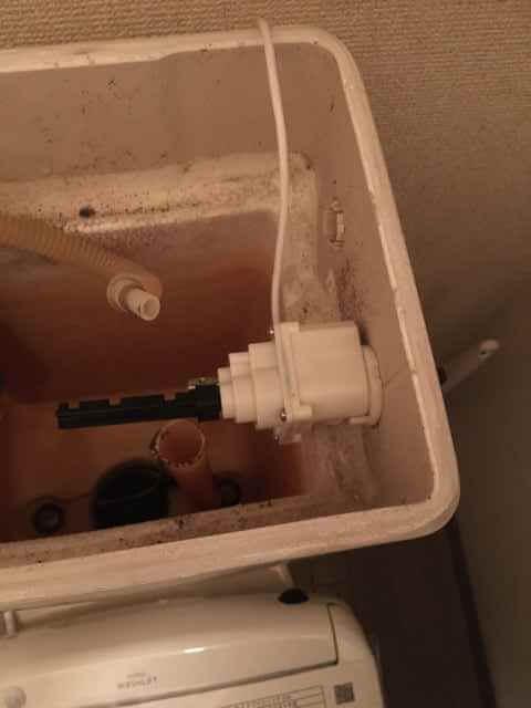 便器洗浄ユニット本体の取り付け
