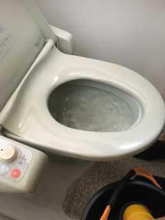 水が流れないトイレ