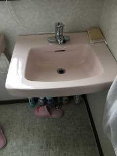 水漏れしている洗面