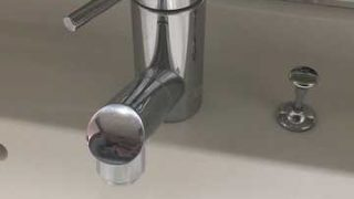 MYMの洗面蛇口(FB670-005)の蛇腹ホースの水漏れ・シャワーヘッドの近くから漏れているを修理