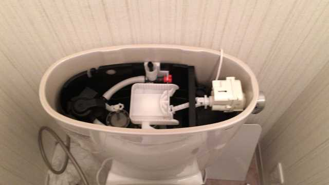 ロータンク内にオート洗浄設置後