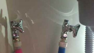 キッチンの蛇口と給水管をつないでいる場所から水漏れ|尼崎市下坂部
