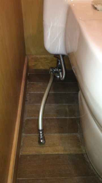 給水管に繋がっている分岐水栓