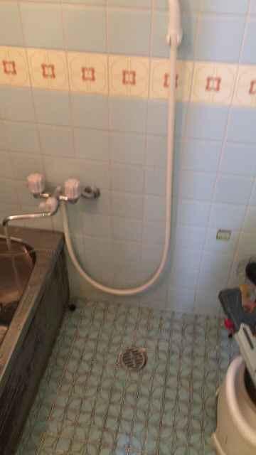 排水がつまっているお風呂