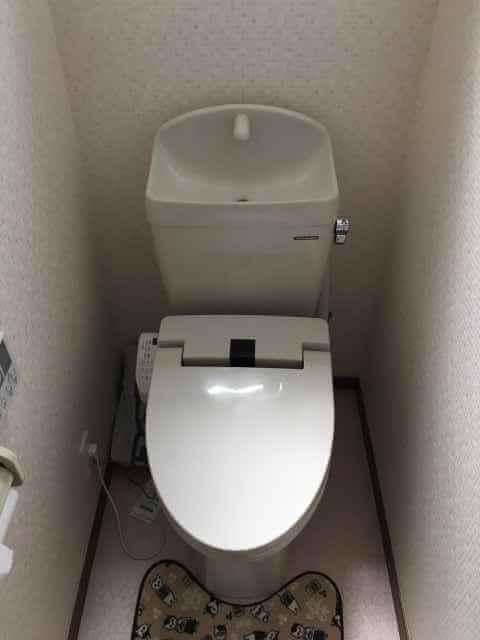 トイレに尿の飛び跳ね防止パッド(おしっこ吸い取りパット)が流れてつまった