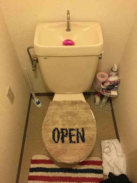 トイレマットが濡れる?トイレタンクの中からちょろちょろ音が聞こえる?
