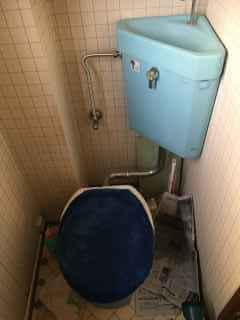 トイレの床が濡れている タンク(TOTOのS670)の下から水漏れを修理