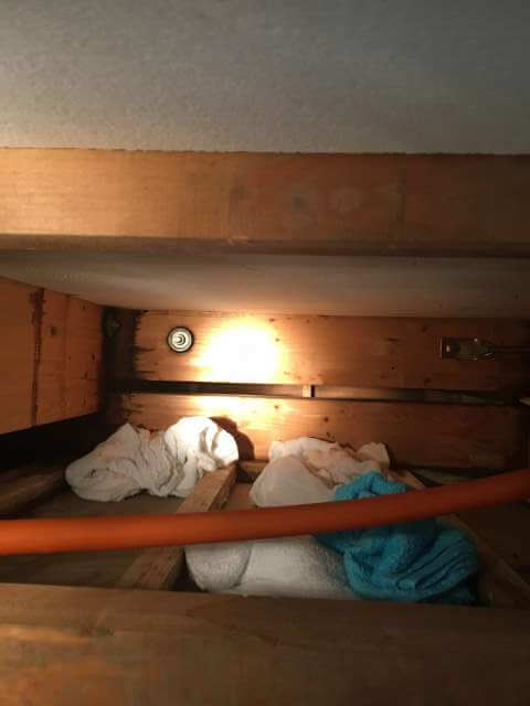 ガレージの天井裏2